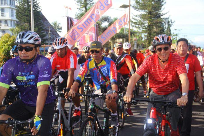 Bupati Minahasa Lepas Peserta Fun Bike Keliling Danau Tondano